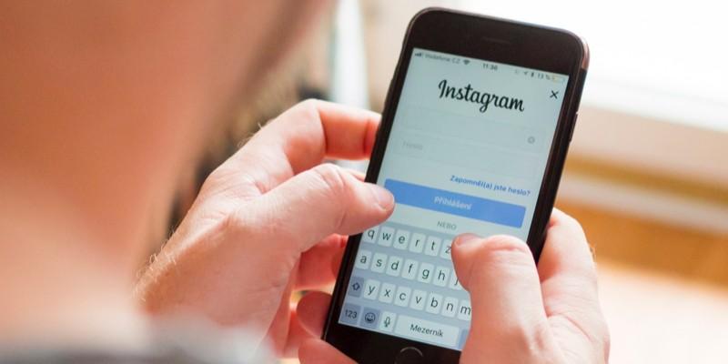 Instagram e vino
